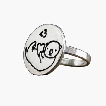 Otter Ring in Sterling Silver