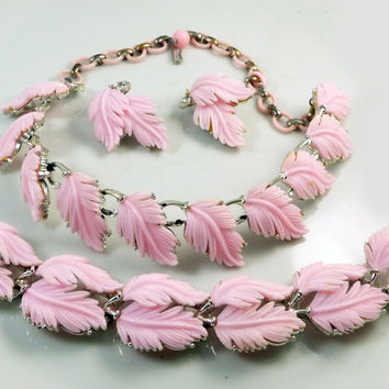 Vintage Lisner Pink Thermoset Leaf Design Necklace Bracelet Clip Earring Set