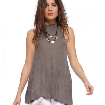 Halter Sleeveless Pleated Top