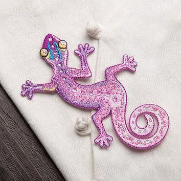 Chameleon patch /Pink patch /cool badge /iron on patch/sew on patch/embroidered patch/patch for jacket/applique
