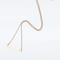 Collier barre avec initiale - Urban Outfitters