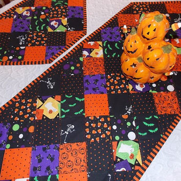 Striped Border Halloween Table Runner Quilt