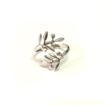Sterling Silver Rhodium Plated Adjustable Olive Leafs Ring, Size 6