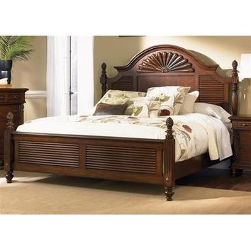 Liberty Furniture Royal Landing Poster Bed in Tobacco Finish