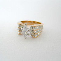 Vintage Jewelry Gold Tone Rhinestone Cocktail Ring Size 9