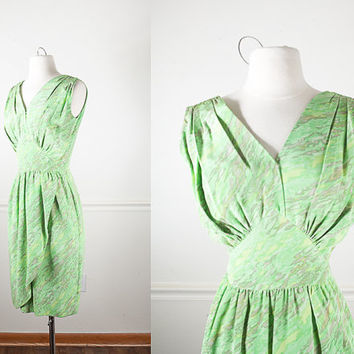 1950s Wiggle Dress / Pale Green Dress / Abstract Print Pastel Dress / Knee Length Midi Skirt / Mid Century Modern Dress / Faux Wrap Dress