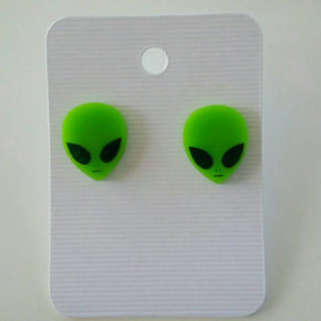 Alien earrings, alien jewelry, Alien accessories, UFO earrings, novelty gift, novelty earrings, novelty gift idea, earrings, trippy earrings