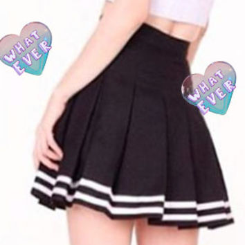 Pleated mini skirt from Kokopie