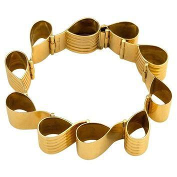 1940s Cartier Gold Ribbon Loop Bracelet