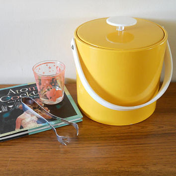Mid Century Georges Briard Yellow Vinyl Ice Bucket, Groovy Mod Ice Bucket, Yellow Ice Bucket, Made in USA, Bright Yellow Wine Chiller