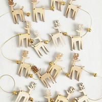 Rustic What Do You Sleigh? DIY Garland by ModCloth