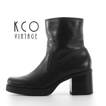 Black Ankle Boots 7 Leather Block Heel 90's Vintage Shoes / 1990's Chunky High Heel Chelsea Minimalist Grunge Goth Shoes US 6.5-7 / UK 4.5-5