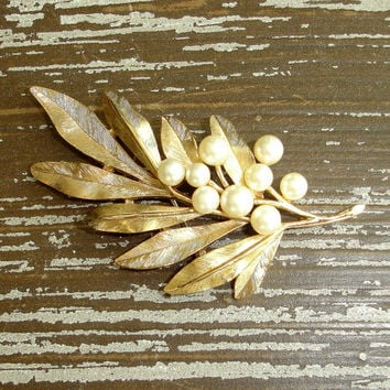 Vintage Signed Crown Trifari Pin, Palm Frond Leaf Brooch, Ivory Pearl, Satin Brushed Matte Gold Tone Brooch, 1960s Mid Century Jewelry