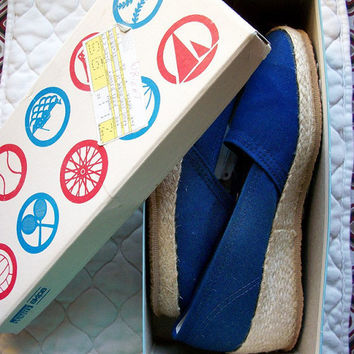 Vintage shoes  Deadstock navy blue espadrilles by bonmarchecouture