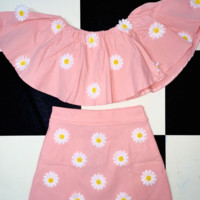 SWEET LORD O'MIGHTY! DAISY OFF SHOULDERS IN PINK