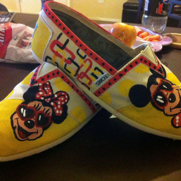 Mickey & Minnie Mouse TOMS by CrystalsCreativeShop on Etsy