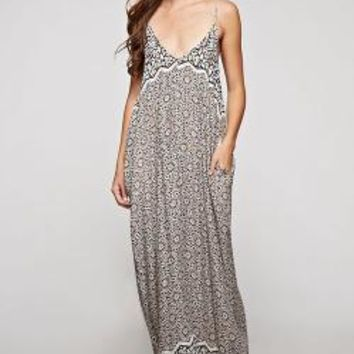 Love Stitch  Trendy Maxi Dresses Floral, White Maxis, Long Sleeve Maxi Dresses
