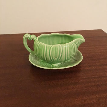 Vintage 1930s Shorter & Sons Green Leaf Jug with Matching Underplate / Early Century Pottery / Gravy Boat