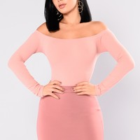 Overdrive Off Shoulder Top - Mauve