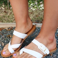 Keeping Up Sandals: White