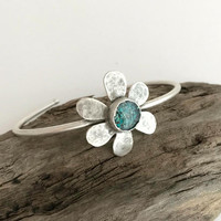 Silver and Turquoise Daisy Bracelet, adjustable cuff bracelet, flower cuff, crushed stone jewelry, hammered cuff, resin jewelry