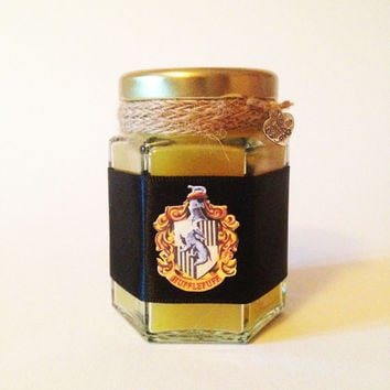Harry Potter Hufflepuff Wood Wick Candle