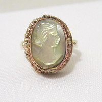 Vintage Sterling silver Two-Tone Mother of Pearl Cameo Ring size 6.5