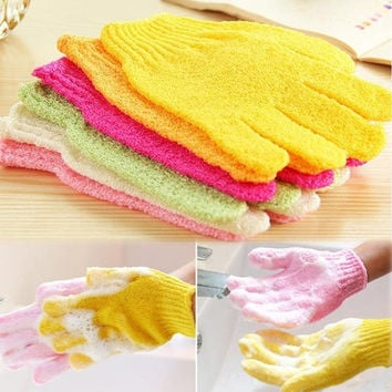 Hot One Shower Exfoliating Wash Skin Spa Foam Bath Gloves Massage Loofah Scrubber Color Random (Size: 1) = 1958139140