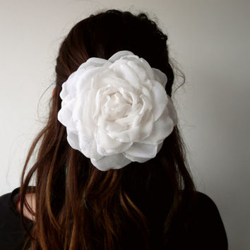White Rose Hair Clip, White Flower Hair Clip, Large Hair Rose, Wedding Head Piece, Fabric Rose Brooch
