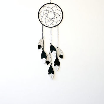 Black and White dreamcatcher, Minimalist Dream Catcher, Dream Catcher Wall Hanging, Black White Room decor, Monochrome Dream catcher
