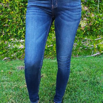Moving Forward Jeans: Dark Denim