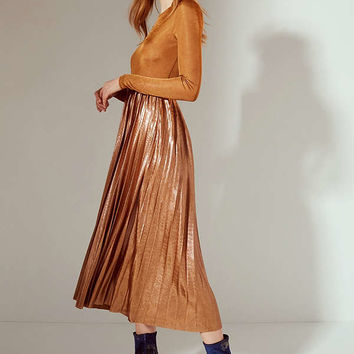 UO Gold Rush Pleated Metallic Midi Dress | Urban Outfitters