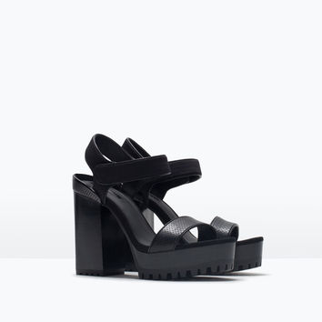 PLATFORM SANDALS WITH TRACK SOLE