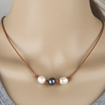 Fashion Handom 3 Pearl and Leather Choker + Free Christmas Gift Random Necklace = 2Pcs Necklace + Gift Box