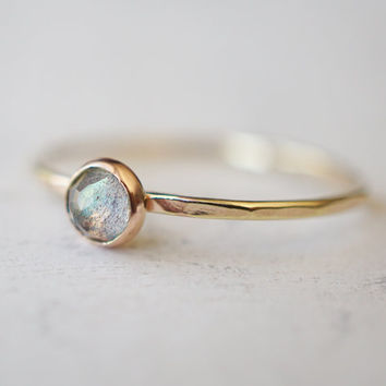 Labradorite Ring, Blue Flash Ring, Tribal Ring, Stacking Ring, Trending Fashion, Promise Ring, Yellow Gold Ring, Flash Style, Stone Ring