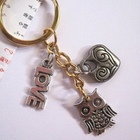Nature Woodlands Inspired Owl Charm Key Chain, Key Ring, Key Charm. Antiqued Silver charm keychain. Simple Gift