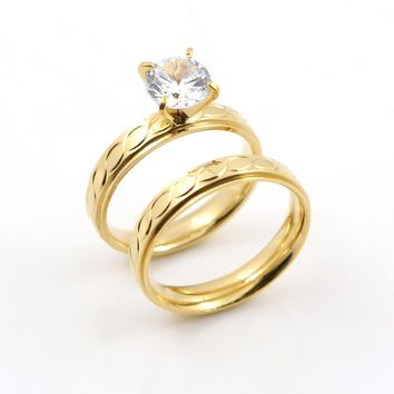 Elegant Gold color Couple Rings in Engagement Rings for Lover Special Carved Simple Rings Crystal Rings for Women Men