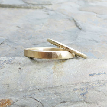 Hammered Matching Wedding Band Set in Solid 14k Yellow or Rose Gold in Polished or Matte Finish