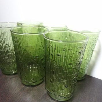 Vintage Pagoda Avocado Green Tumblers/Glasses with Tree Bark/Bamboo Pattern - Anchor Hocking - Set of 6 - 12oz Glasses - Mid Century Modern
