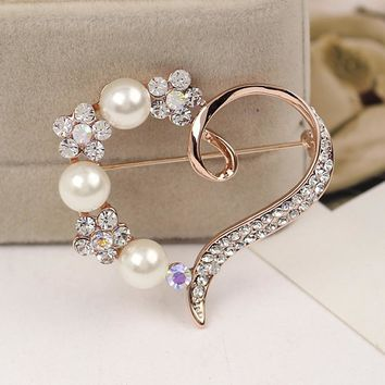 Heart Shape Pearl and Rhinestone Brooch Pin