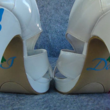 2 Butterfly Vinyl Stickers For Wedding High Heel Shoes Bridal Shower Gift Bride Present Accessories Picture Props