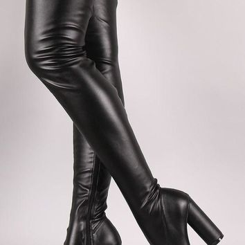 DCK7YE Stretched Round Heeled Over-The-Knee Boots