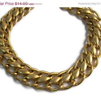 10% off Sale Vintage Gold Tone Metal Chain Link Choker Necklace Spring Wear