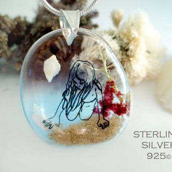 The little Nell in the water necklace: sterling silver 925 seaweed drawing resin beach sea