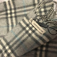 ONETOW 100% cashmere authentic Burberry scarf