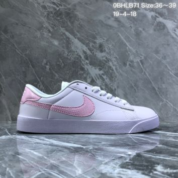 hcxx N1247 Nike Tennis Classic Leather Low Skate Shoes White Pink