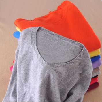 *online exclusive* cashmere o-neck pullover sweater