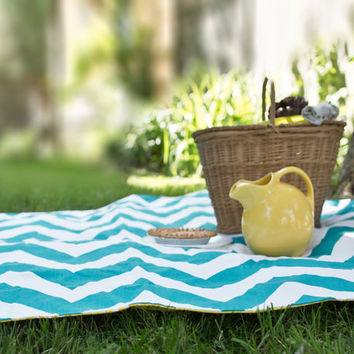 As Seen on HGTV - Waterproof Picnic Blanket - Portable Eco Friendly Quilted 3-Layer Beach Blanket in Teal Chevron