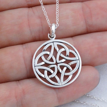 925 Sterling Silver Trinity Knot Pendant
