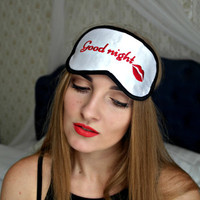 Good Night Sleep Mask Kiss Eye Sleep MaMask sk Silk with Red Lips Sleeping Sexy Woman Eyemask Embroidery Handmade Gift Accessories m25